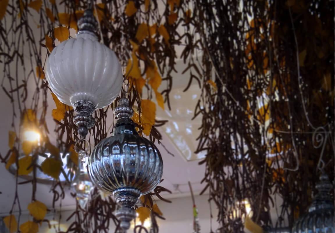 Blumen Mueller Silberkugeln Quer