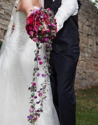 Brautstrauss Romantisch Haengend Pink Rot 1