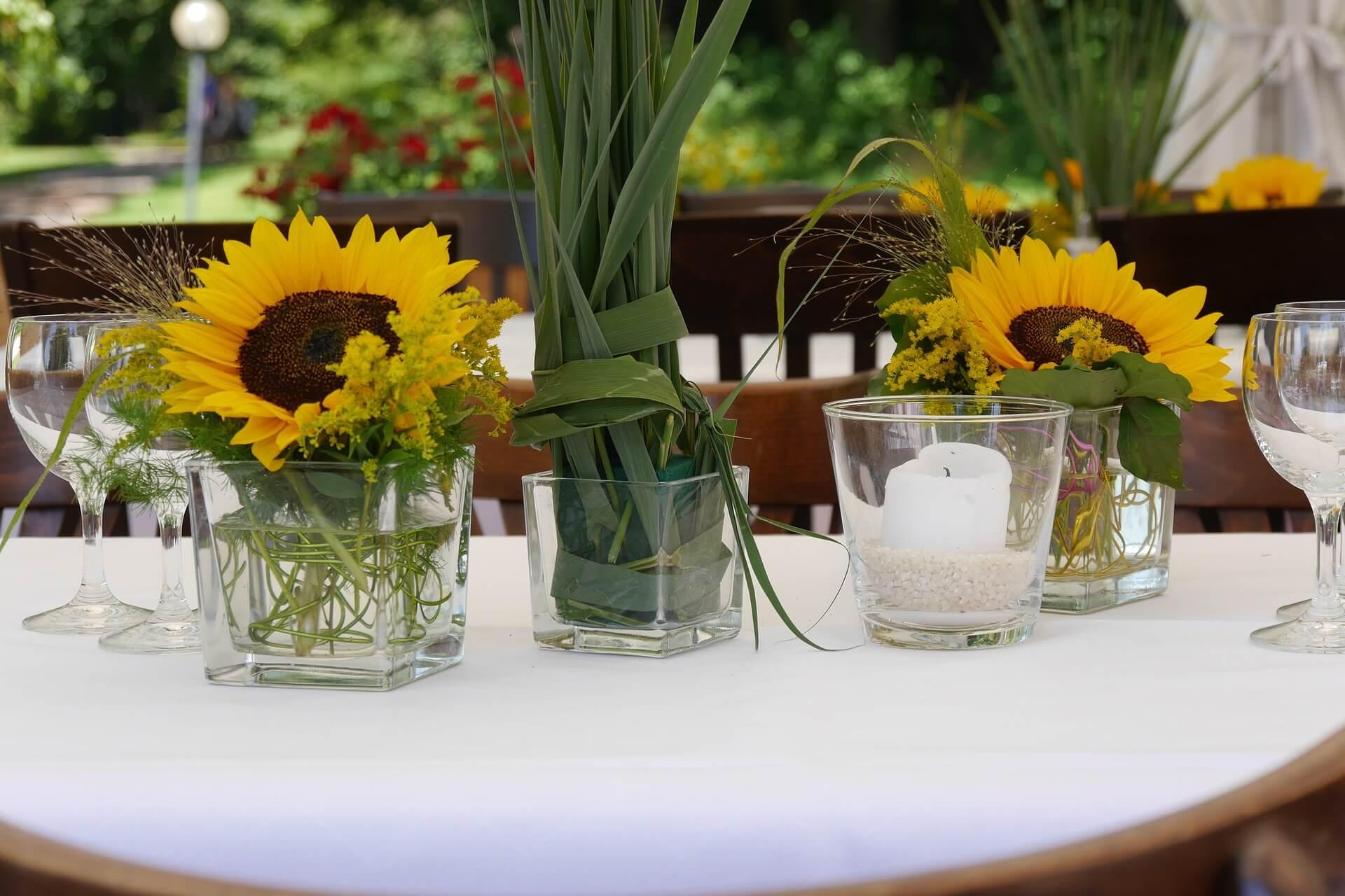 Blumen m ller mit blumen ist alles sch ner for Tischdeko bestellen