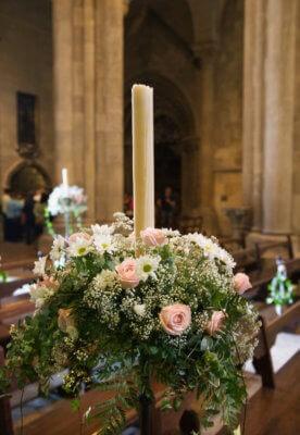 Kirchendeko mit Kerze